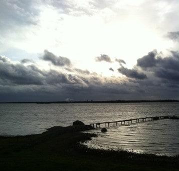 Brygga och hav, vy från lantstället