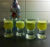 Lökshots, nypressad juice från lök och vodka.
