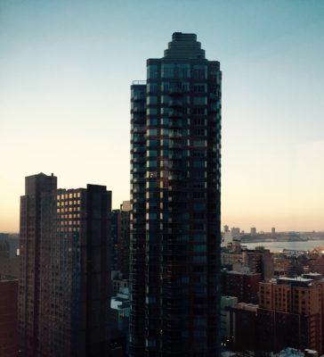 Utsikten från hotellrummet på Yotel