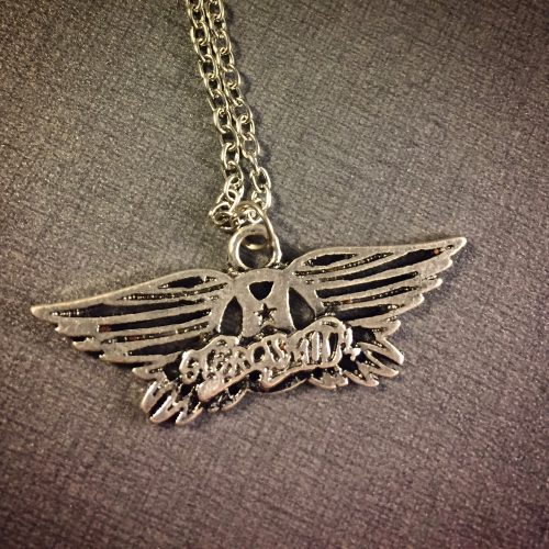 Aerosmith halsband. Got my wings!