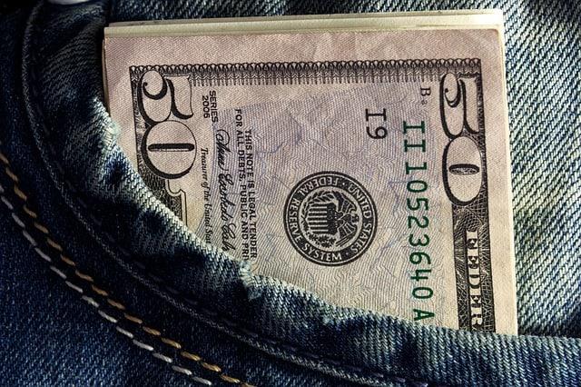 Pengar i fickan