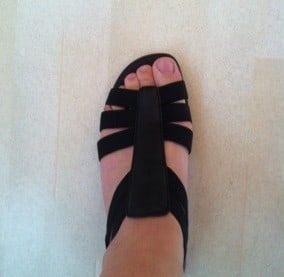 """Sandaler, skor med liten kilklack i gummi. Shopping med """"svärmor"""""""