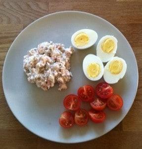 dagens middag, skagenröra, ägg och tomater