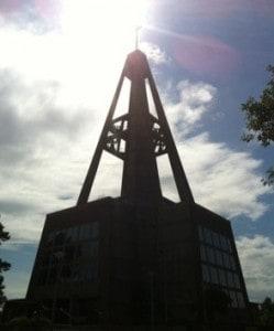 S:t Botvids kyrka i Oxelösund, ett sjömärke och en ful kyrka