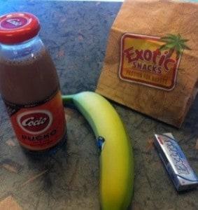 Min lunch bestående av en banan, lite nötter och en Pucko. Cocio. God natt!