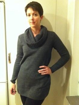 Arga Klara i ny grå tröja från H&M