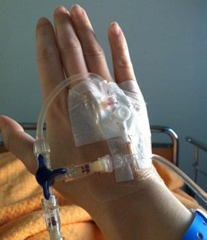 Sjukhus, hand med infart för medicin