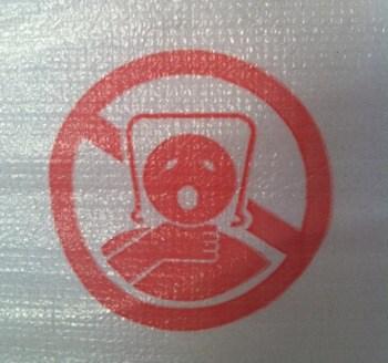 Roliga bilder, varning för påse över huvudet