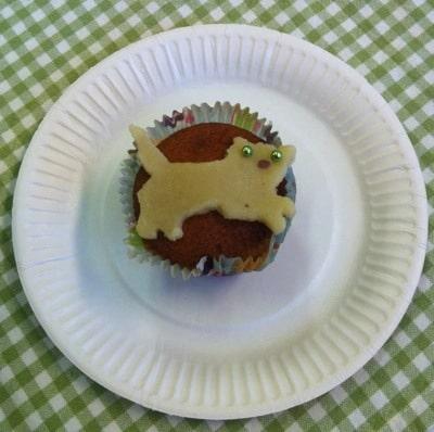 Muffins med kattdekoration