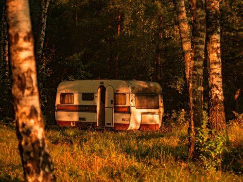 Husvagn i naturen