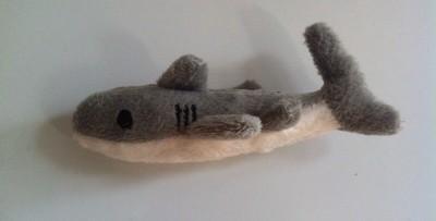 Kylskåpsmagnet, en liten mjuk haj. I dag är ingen bra dag.