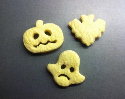 Roliga potatisfigurer. Pumpa, spöke och fladdermus till Halloween.