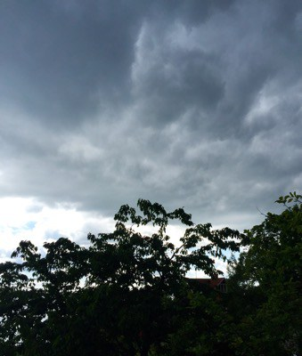 Svart himmel, väderomslag