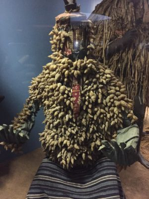 Dräkt gjord av snäckor på Natural History museum i New York
