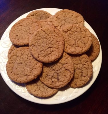 Kakor, pepparkakscookies. Bakar många tristesskakor på lantstället.