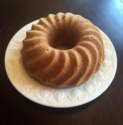 Kaka, sockerkaka, mjuk pepparkaka. Fick besök och bakade en kaka med min systerdotter.