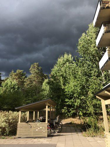 Domedagsmoln och åska. Har hösten kommit?