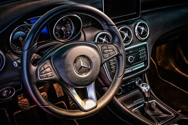 Instrumentpanel i bil, Mercedes